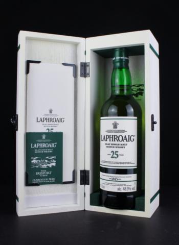 Laphroaig 25 open box 1 600x800